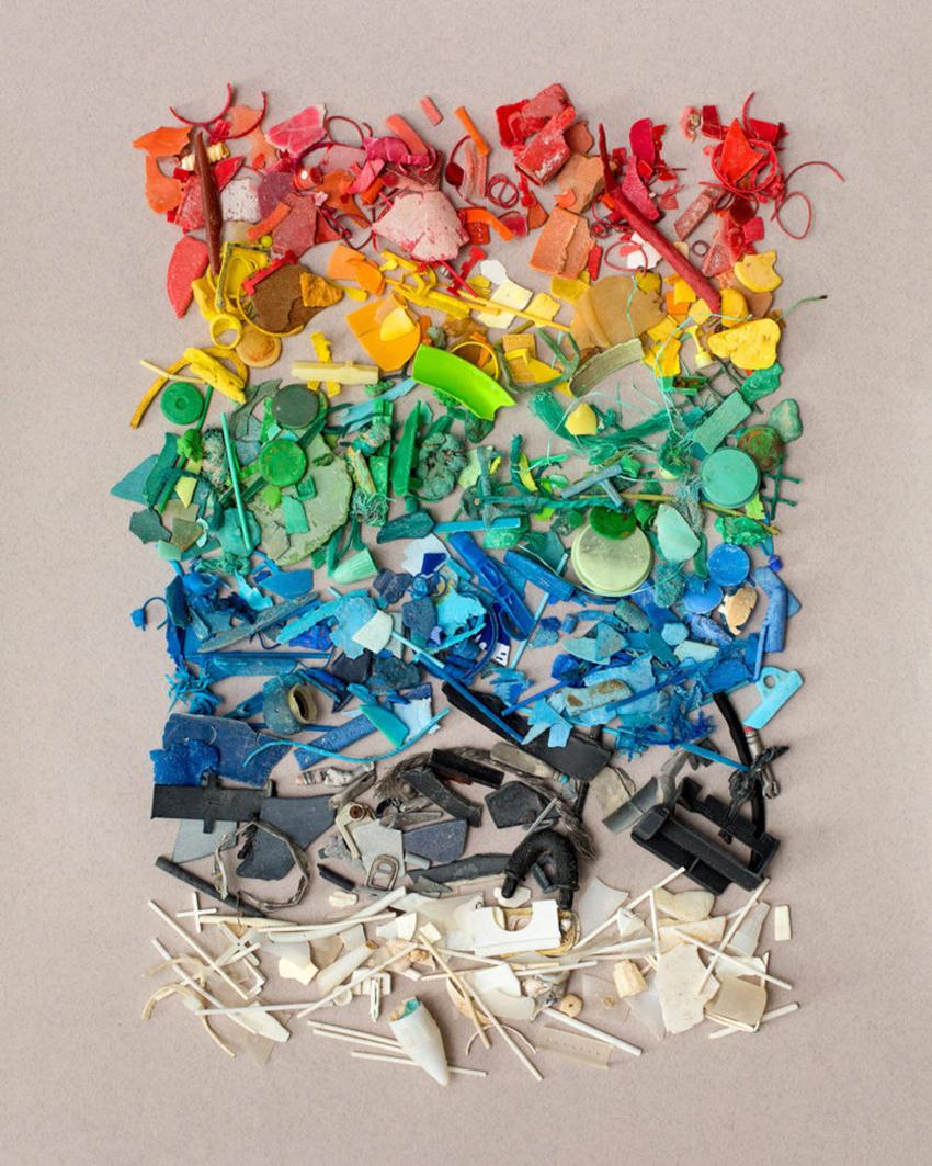 sad-colors-of-the-ocean-1-770x963
