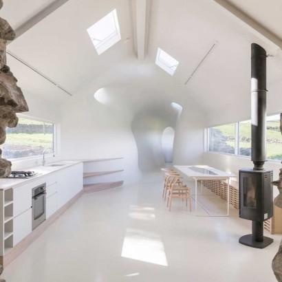 18th-century-ruins-transform-into-a-futuristic-home-23