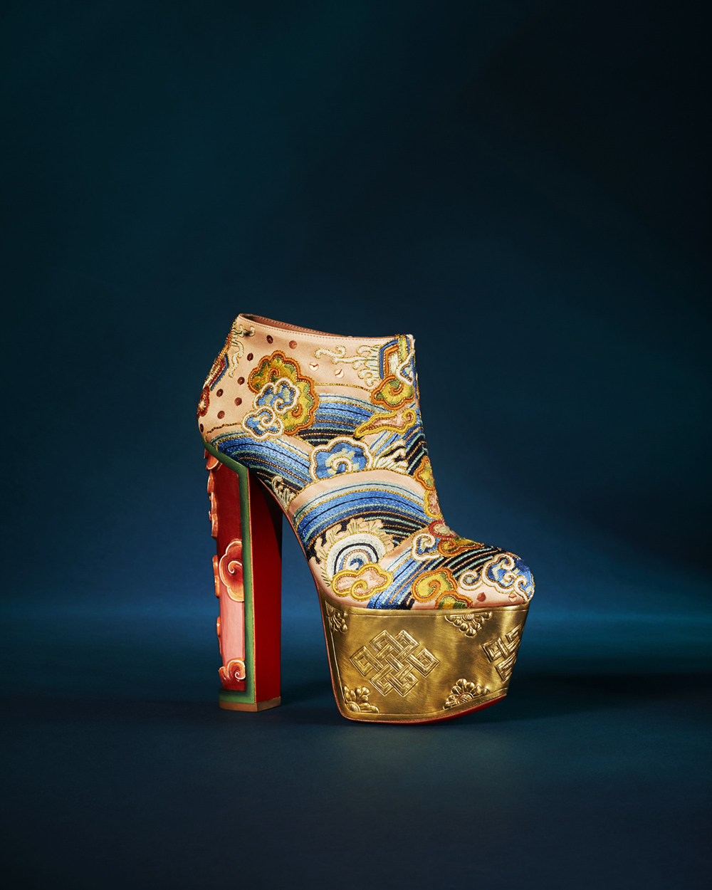 loubhoutinLoubhoutan-when-art-meets-fashion-post-13