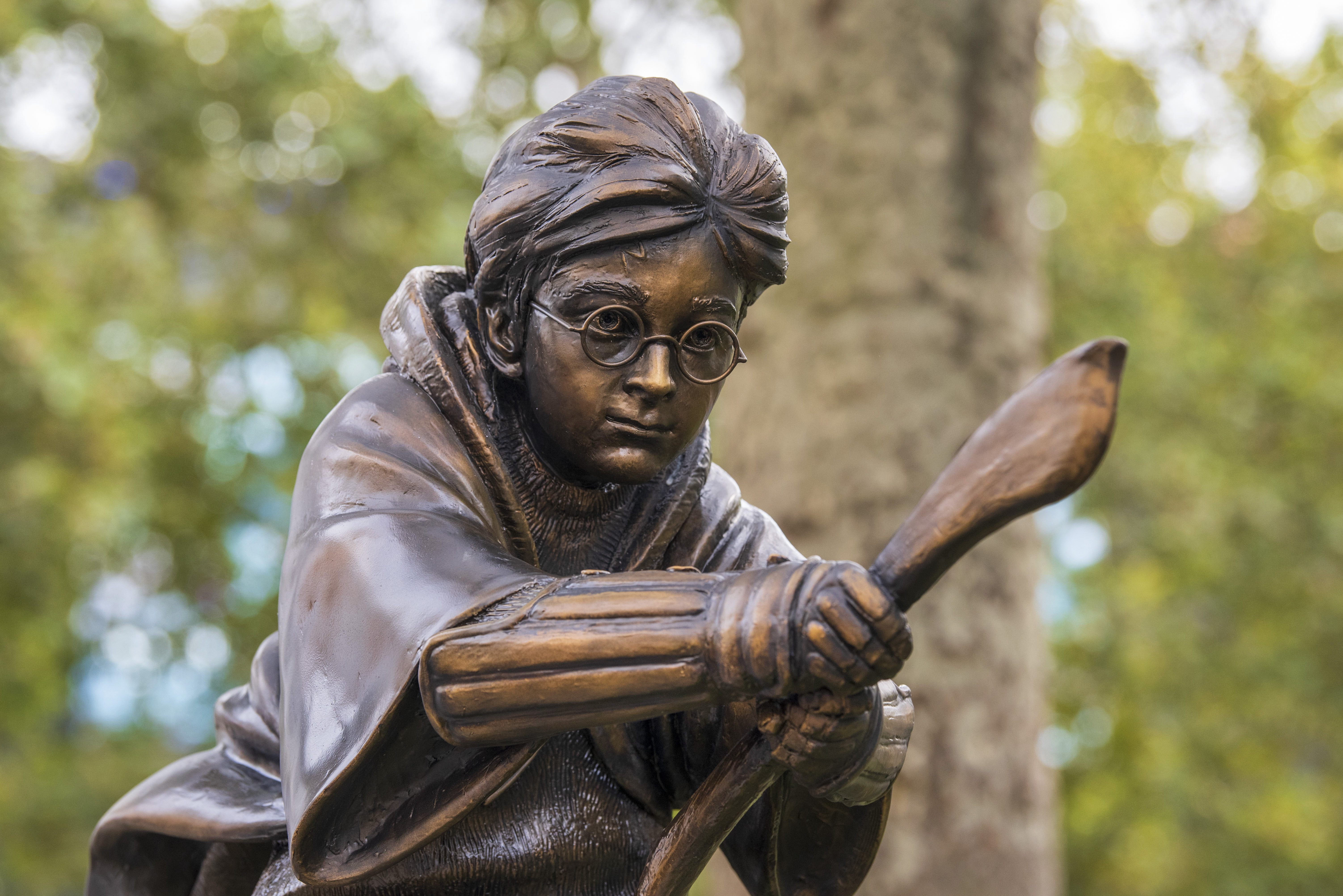 A new statue of Harry Potter in Leicester Square, London which has joined the eight other movie statues already in on display there. (Photo by Dave Rushen / SOPA Images/Sipa USA)