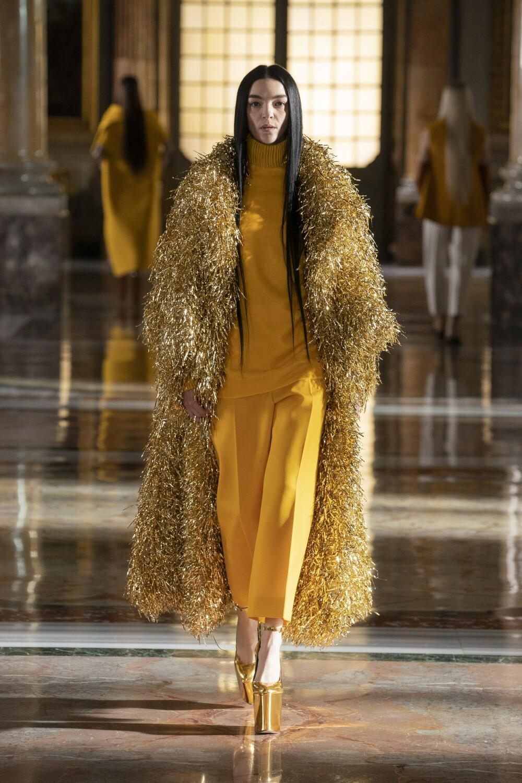 Valentino Couture 13