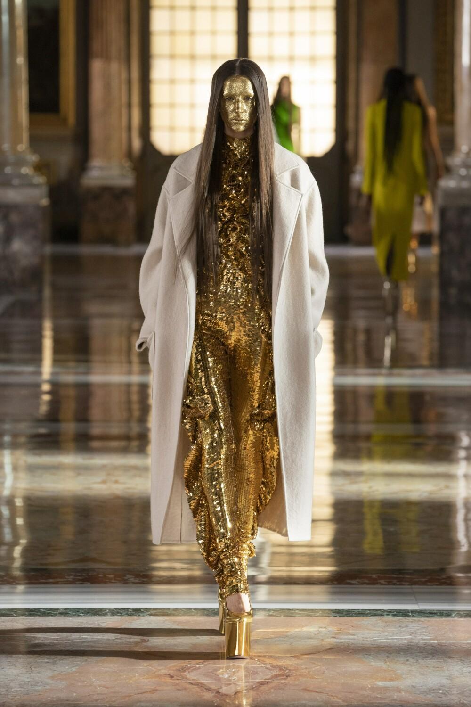 Valentino Couture 6