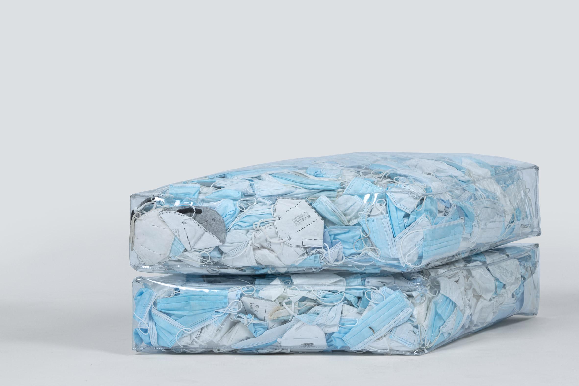 диван из масок 3
