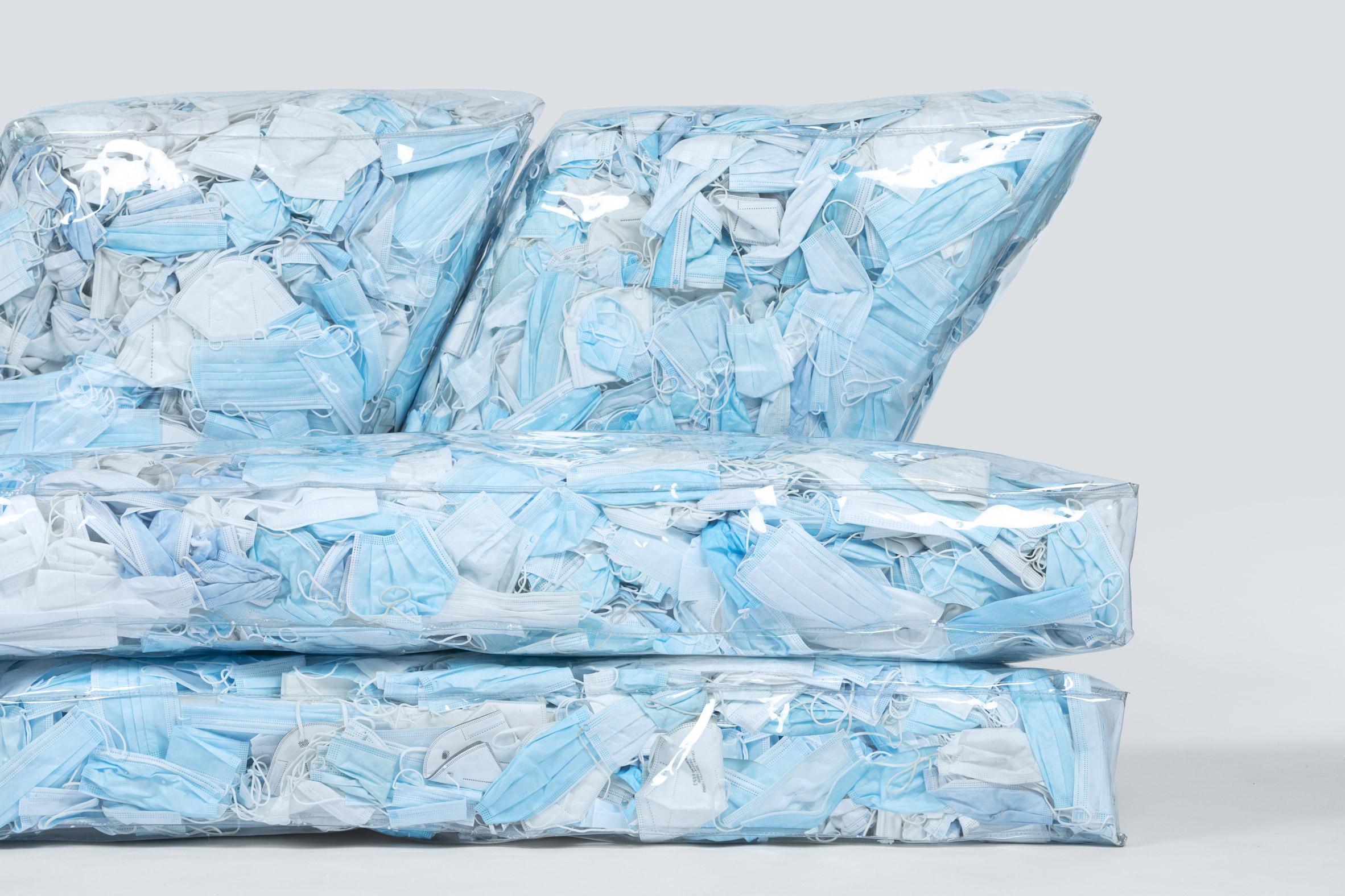 диван из масок 5