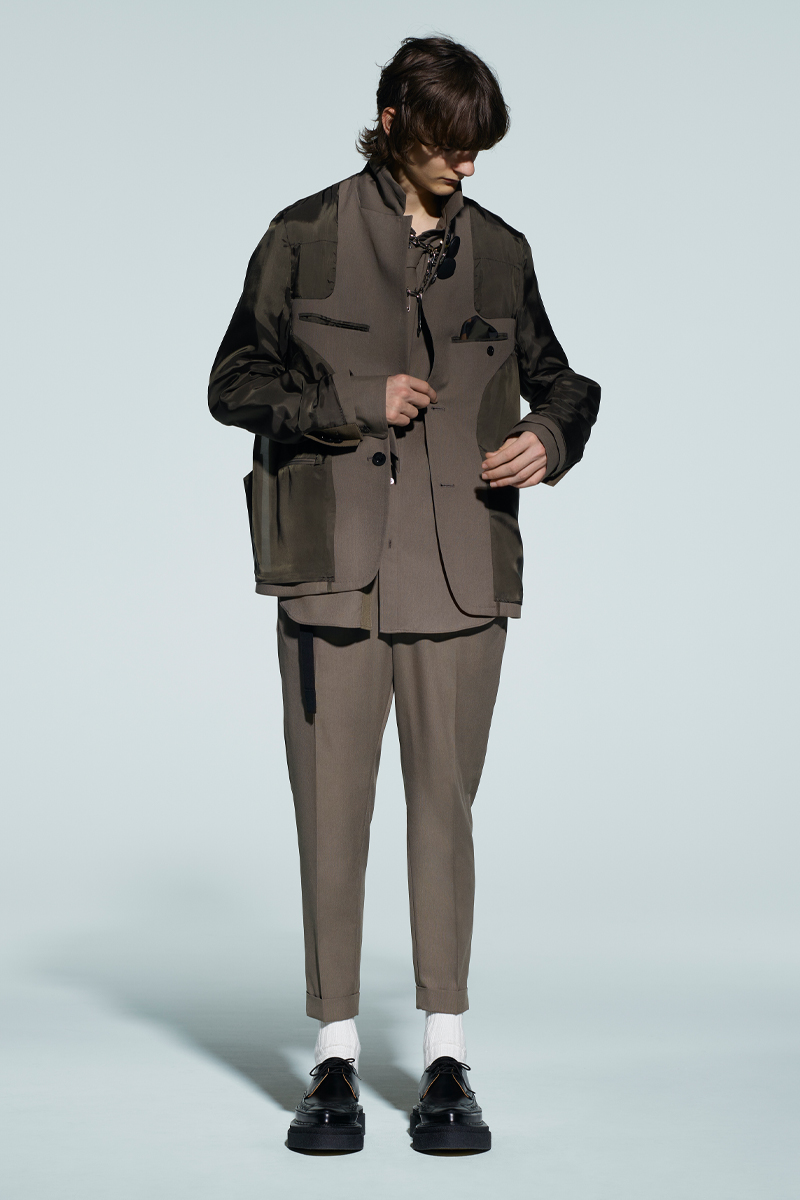 sacai-x-kaws-celebrate-wearable-art-in-latest-fw21-collection-003