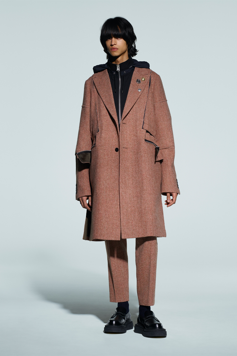 sacai-x-kaws-celebrate-wearable-art-in-latest-fw21-collection-008